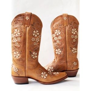 SHYANNE FLORAL SNIP TOE LEATHER BOOTS SZ 8